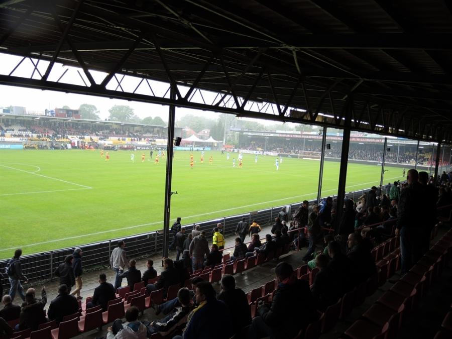 Go Ahead Eagles 07 De Adelaarshorst | Stadiums and Cities