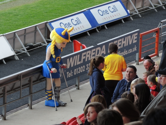 Doncaster Belles v Reading 02