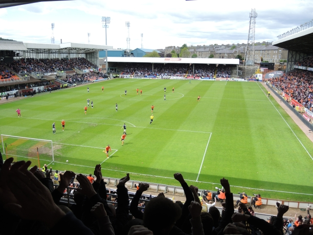 Dundee United v Dundee 42 - 1-0